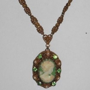 Jewelry - Vintage Green Rhinestone Cameo Necklace
